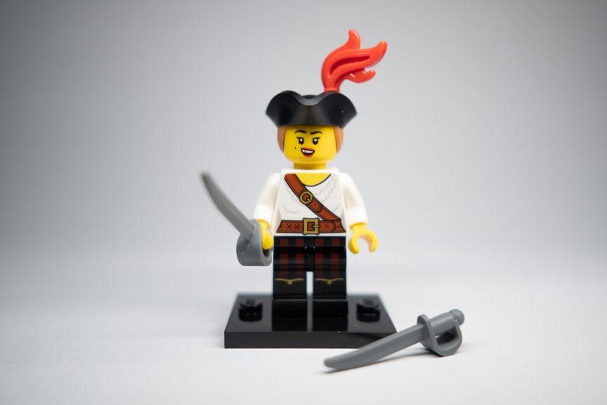 Green Short Legs,Spaceman Pattern Torso Town New Lego GIRL MINIFIG w//Black Hair